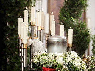 An easy comparison of pre-paid funeral plans