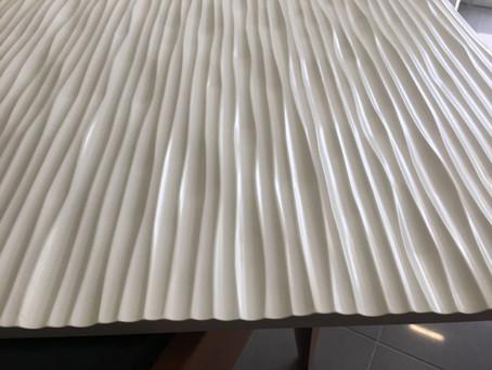 Pannelli Fonoasserbenti in mdf fresati grezzi o laccati .