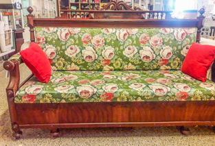 1848-01, 799kr Blommig soffa.jpg