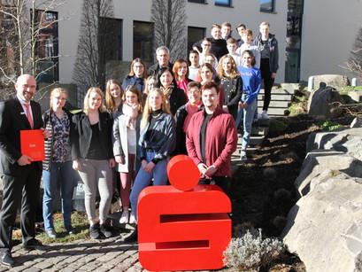 """Planspiel Börse - Schülerinnen und Schüler gewinnen ersten Preis in der Katergorie """"Nachhaltigkeit"""""""