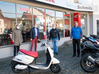 Neuer Elektroroller für das Erich-Klausener-Gymnasium