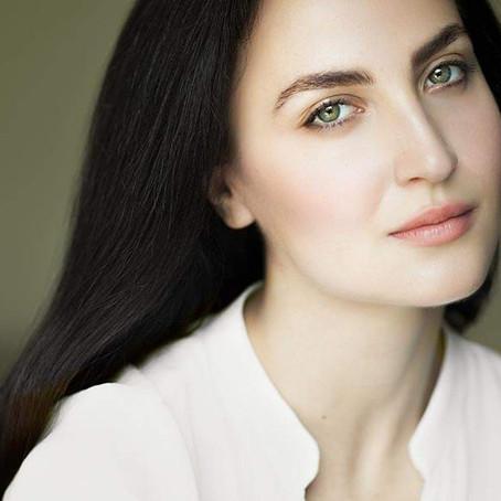 Η Ελληνίδα που κατέκτησε το Bollywood Θέλει να παντρευτεί Πόντιο