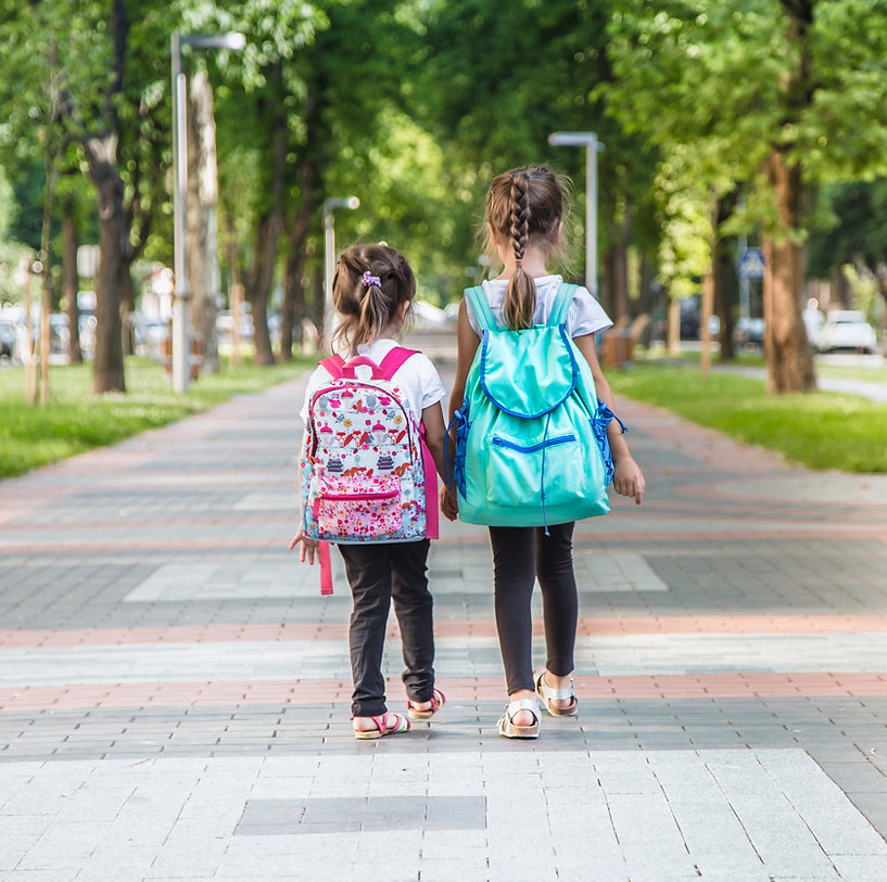 back-to-school-education-concept-with-gi