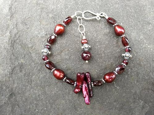 Garnets and Freshwater Pearl Bracelet