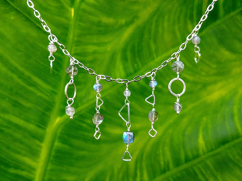 Dainty Chains Labradorite Necklace