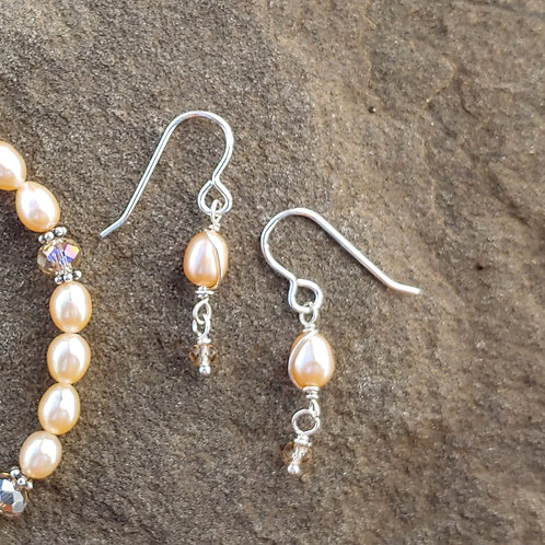 Sweet Cream Pearl Earrings