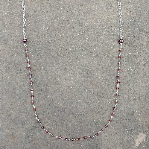 Simple Garnet Links Necklace