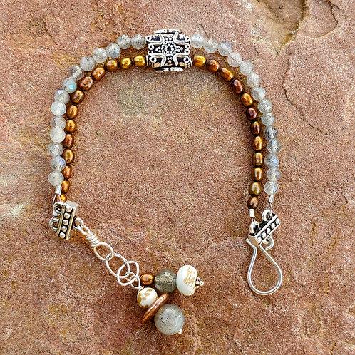 Neutral Beauty Bracelet