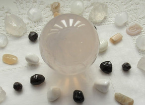 Complete Practitioner's Guide to Crystal Healing: How Energy Healing Transforms Life