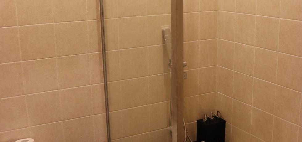 Jasmine Room washroom 2