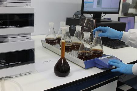 lab-1338728_1920.jpg