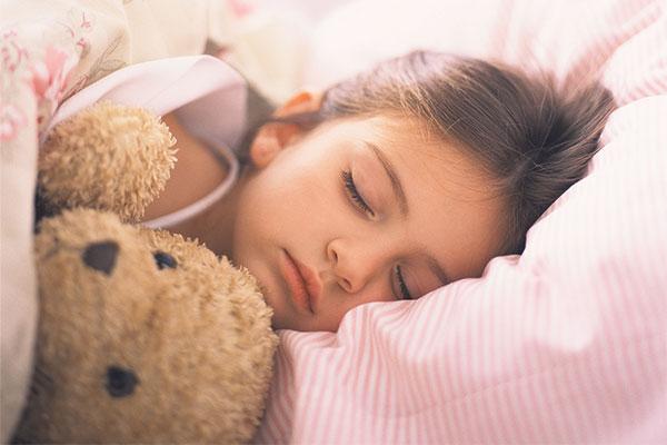 zähneknirschen im schlaf bei kindern