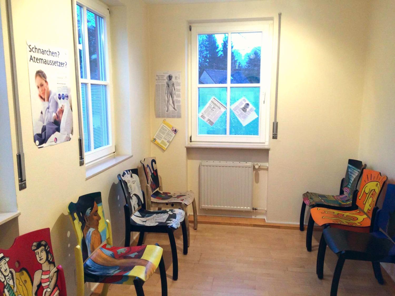 Wartezimmer Praxis Dr B bei Trier