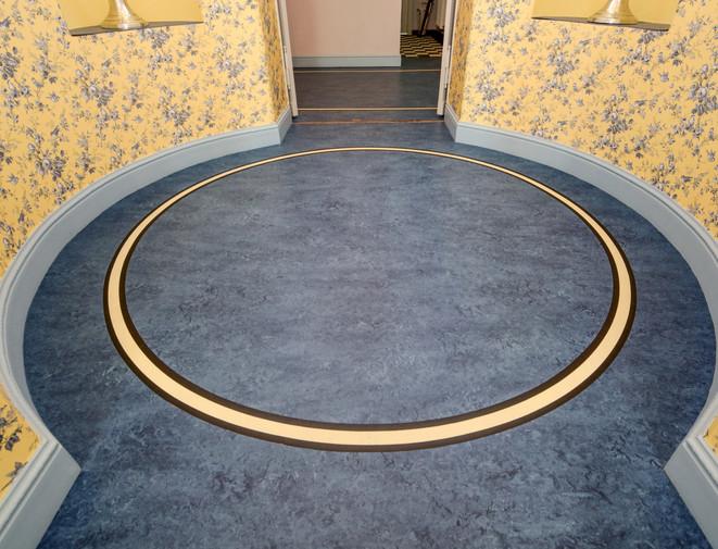 Kreisförmiger Linoleum