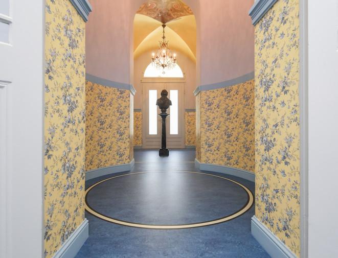 Runder Fußboden mit Linoleum