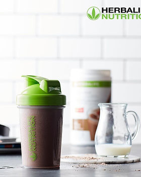 The best meal replacement shakes that you can find on the market is Herbalife.  Power your fitness and diet with this protein shake.