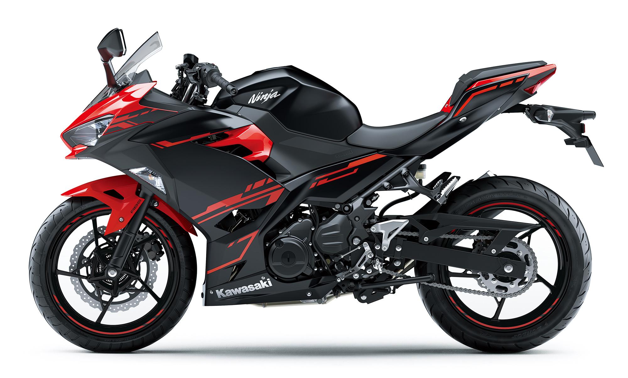 Ninja250 パッションレッド×メタリックスパークブラック