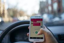 Conducir Distraído Mata a Más Estadounidenses Cada Día