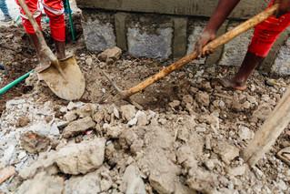 Lesiones Por Escombros En El Sitio de Construcción