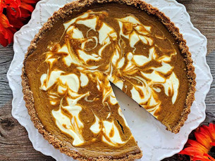 Step by Step: Marbled Pumpkin and Cream Cheese Gingersnap Tart