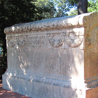 Robert Todd Lincoln's Family Grave