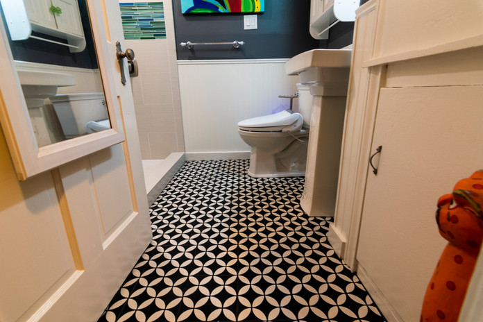 Black Patterm Tile Floor