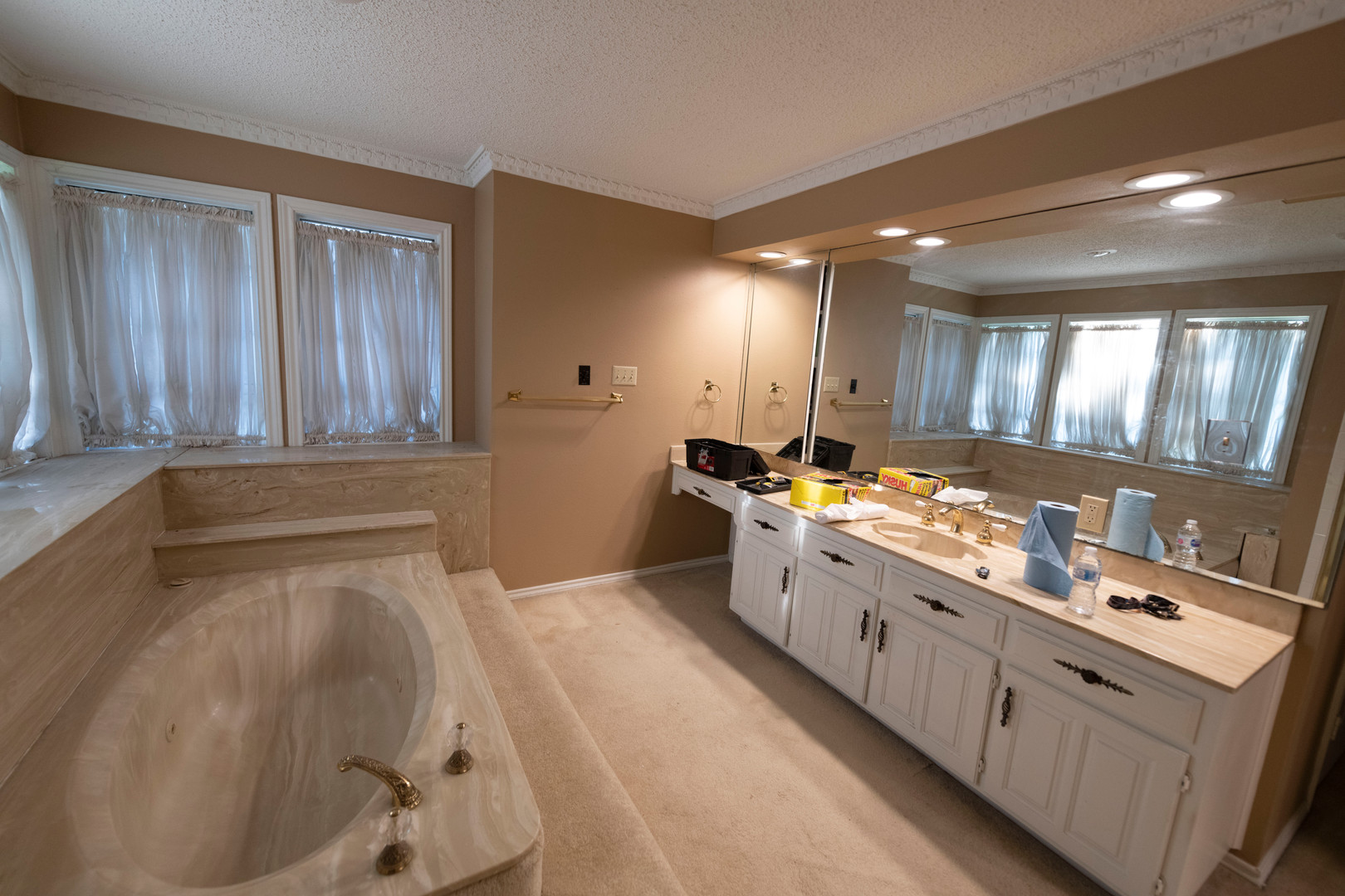 1960's Bathroom and Cabinet Design