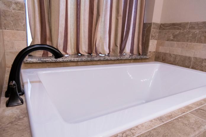 Bath Tub Remodel with Granite