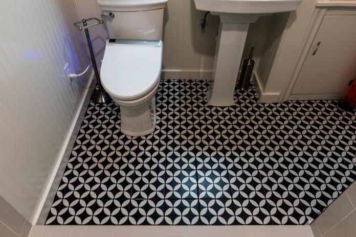 Black TIle Bathroom Floor