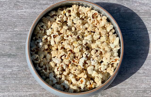 Buttery Homemade Popcorn : Recipe