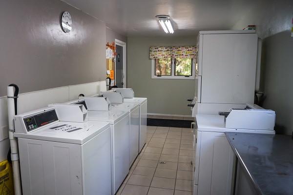 Laundry Facilities (2).jpg