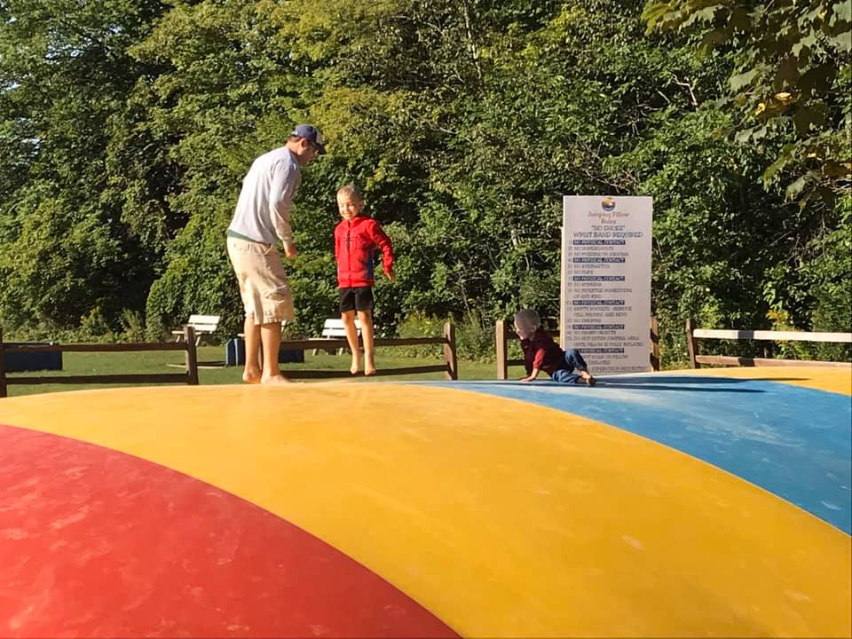 Kids enjoying the Jump Pillow 2019
