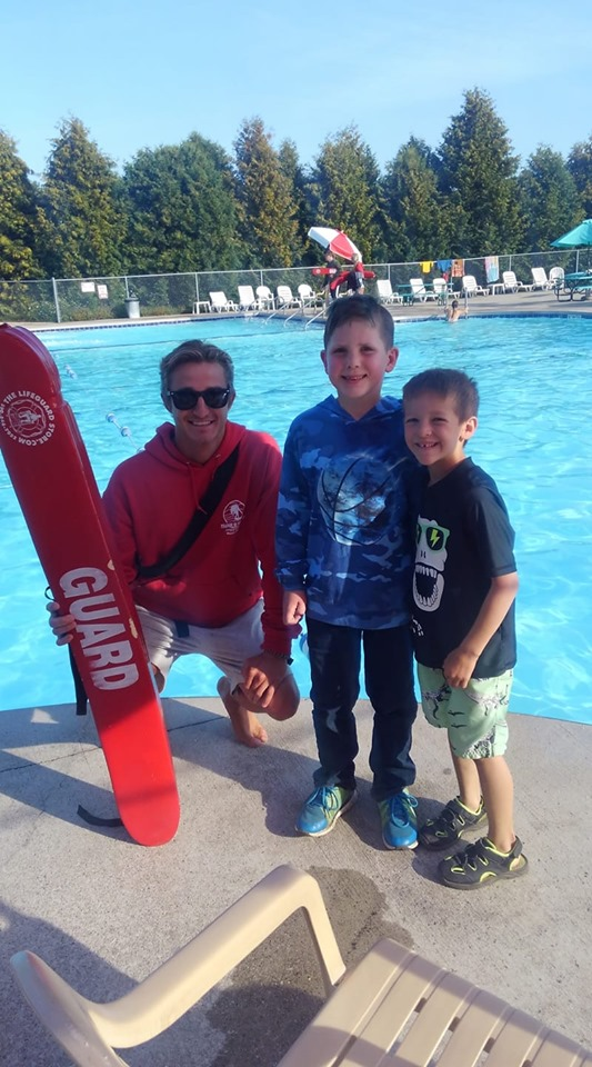 Kids posed with Lifeguard Matt 2019