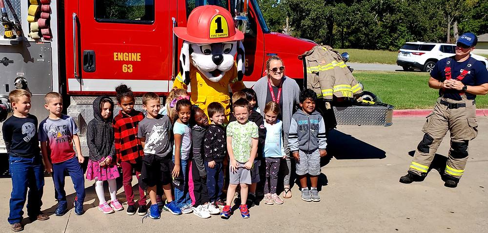 Denison firefighters visit Terrell Elementary