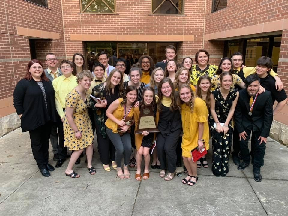 Denison High School One Act Play cast and crew advances to regionals