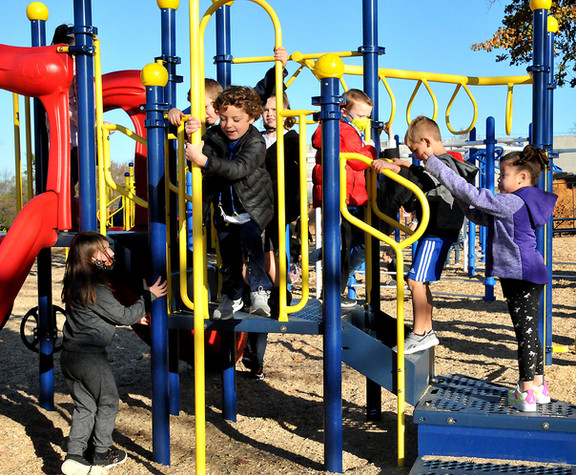Mayes gives thanks for beautiful new playground