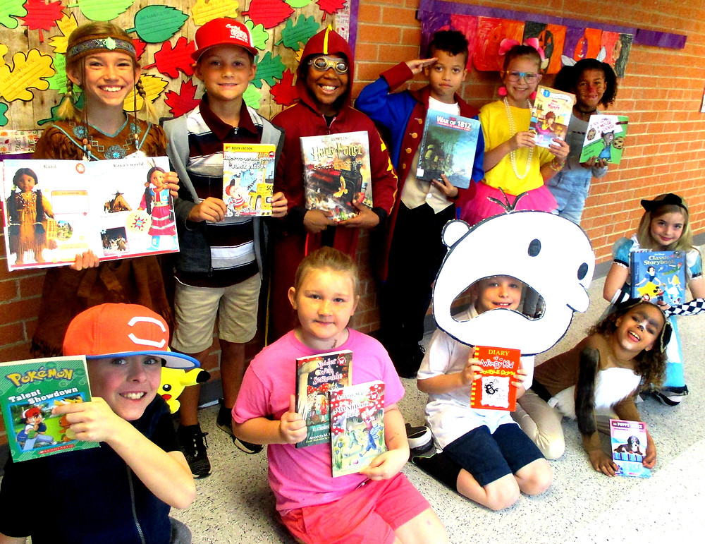 Hyde Park third grade students on book character day