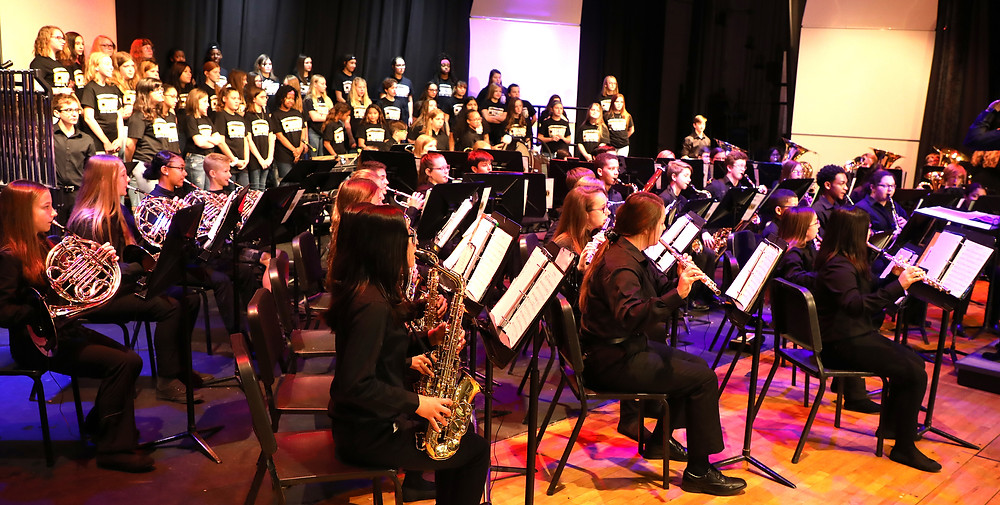 band and choir performed a spirited and emotional patriotic program in honor of local veterans, soldiers and heroes