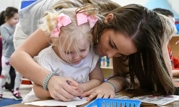 "DISD educators use ""Bee Bots"" to bolster brainpower"
