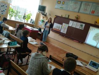 Участники районного этапа конкурса «Педагог года Луганщины» провели уроки на базе Перевальской школы