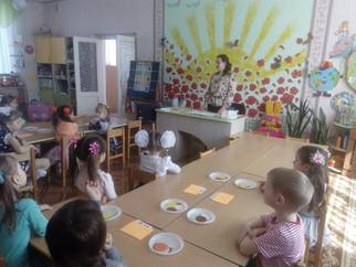Районный этап конкурса «Педагог года Луганщины» проходит в образовательных учреждениях Перевальского