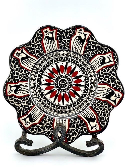 Historical flower plate