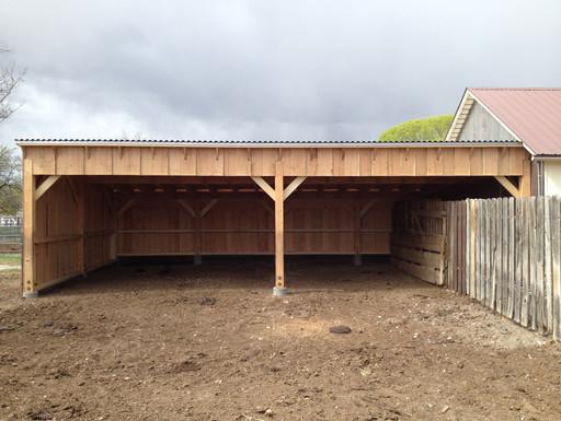 Finished livestock barn