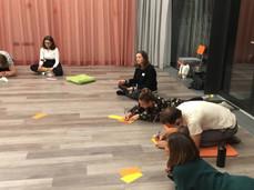 Pädagoginnen bei einem Dancing Diversity Workshop