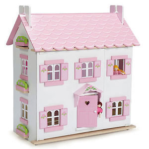 SOPHIES DOLLS HOUSE    free uk p&p