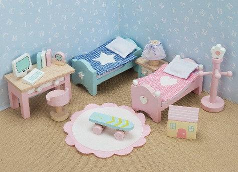 DAISYLANE NURSERY/CHILDREN'S BED FREE P&P
