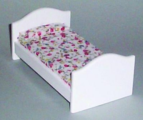 WHITE WOODEN CHILD'S BED