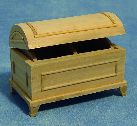 WOODEN CHEST  12th scale