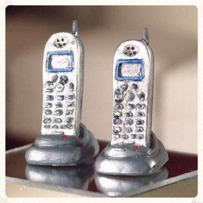 PAIR CORDLESS TELEPHONES  FREE UK POST