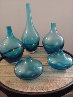 5 Mixed sizes blue vase